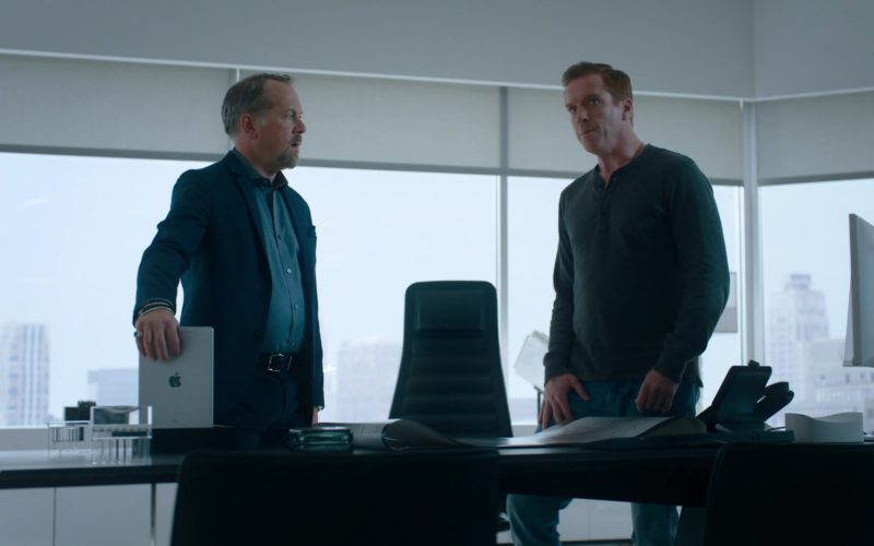 Apple iPad Tablet Held by David Costabile (Mike Wagner) in Billions (4)