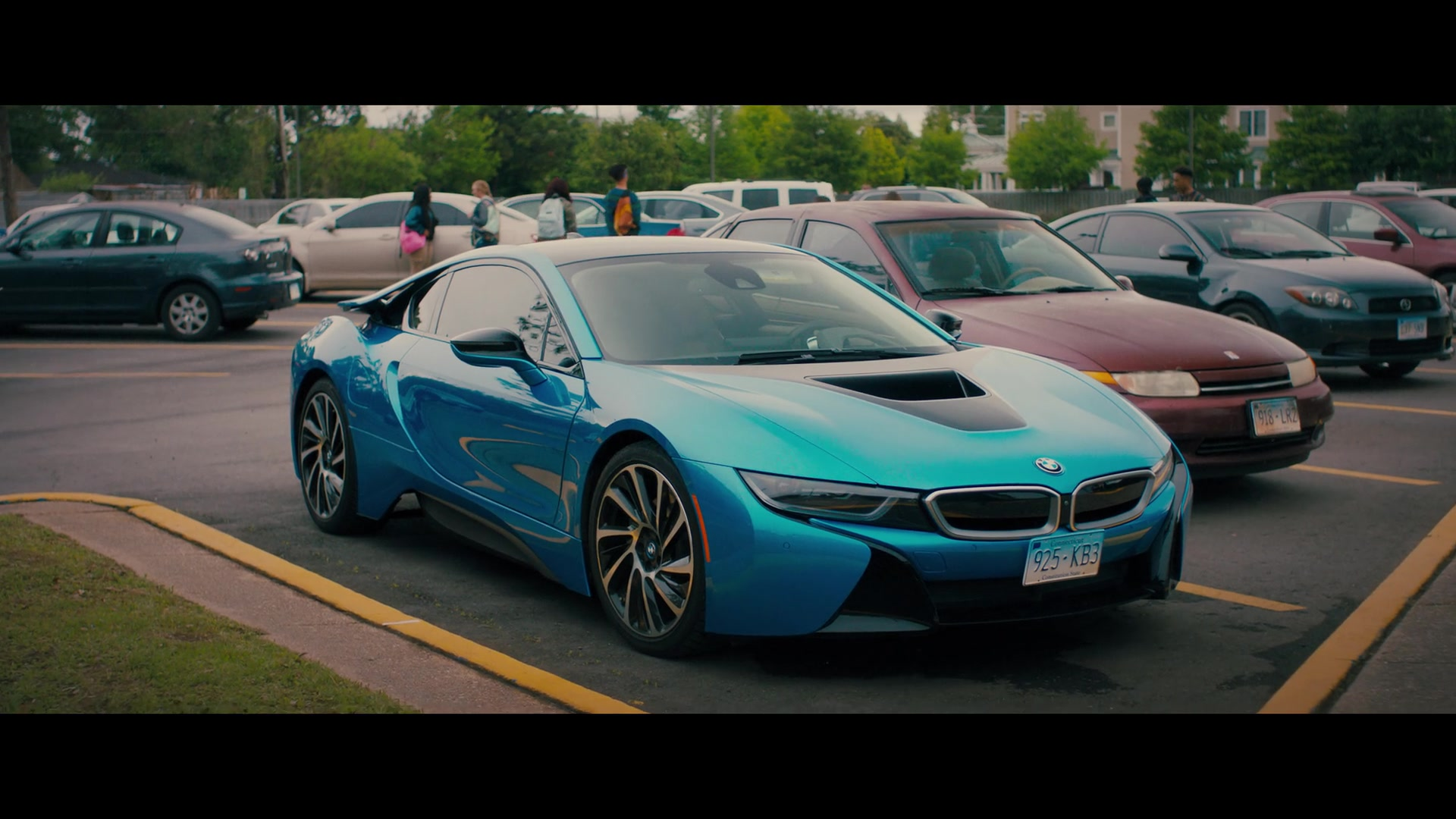 Lincoln Town Car 2016 >> BMW i8 Car in The Perfect Date (2019) Movie