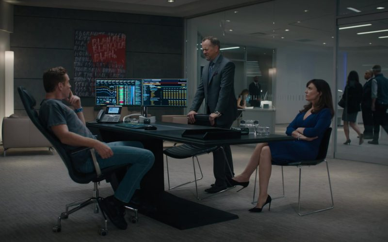 Bloomberg Terminals and Cisco Phone Used by Damian Lewis (Bobby Axelrod) in Billions Season 4 Episode 1 (1)