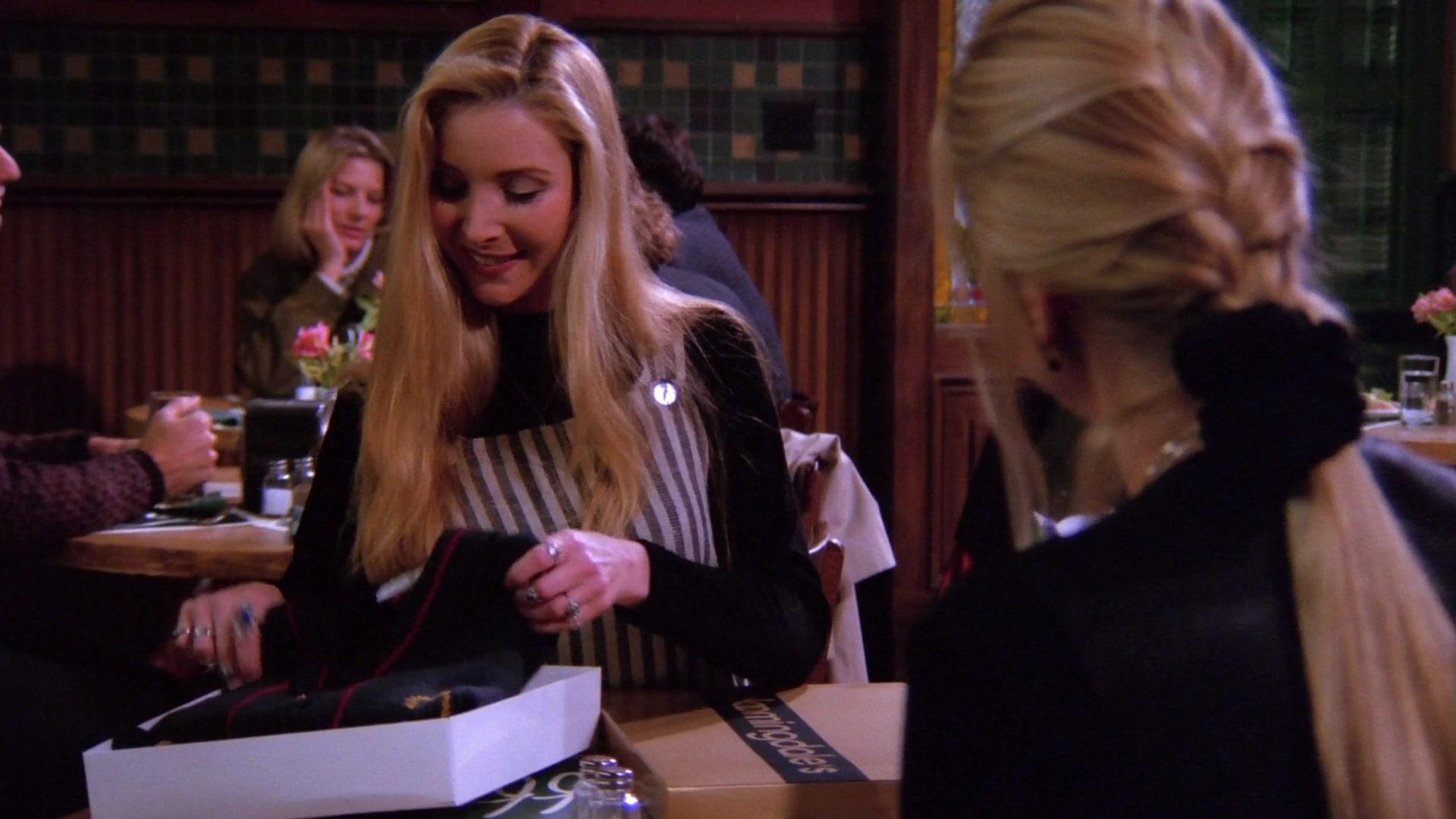 Bloomingdale's Store Box Held by Lisa Kudrow in Friends Season 1