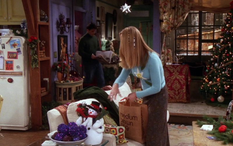 Bloomingdale's Store Medium Brown Bag in Friends Season 7 (1)