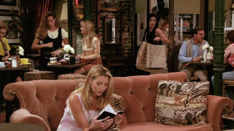 """Bloomingdale's Store Paper Bags Held by Courteney Cox (Monica Geller) in Friends Season 2 Episode 1 """"The One with Ross's New Girlfriend"""" (1995) - TV Show Product Placement"""