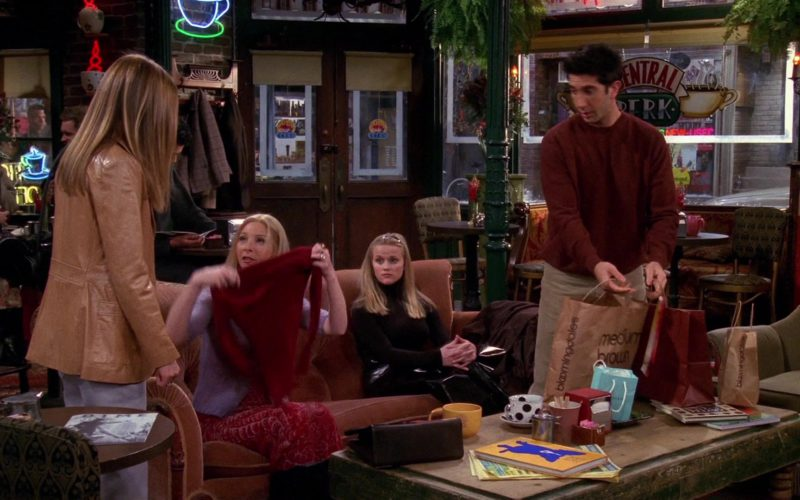 Bloomingdale's Store Paper Bags in Friends Season 6 Episode 13