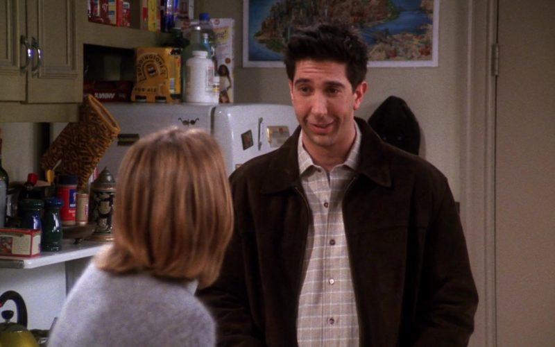 Boddingtons Pub Ale in Friends Season 7 Episode 16 (3)