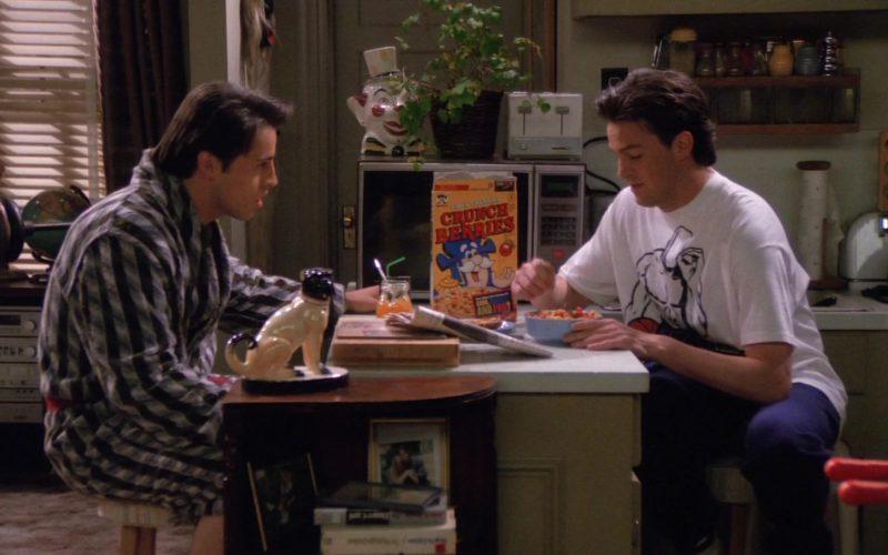 Cap'N Crunch's Crunch Berries in Friends Season 1 Episode 24 (4)