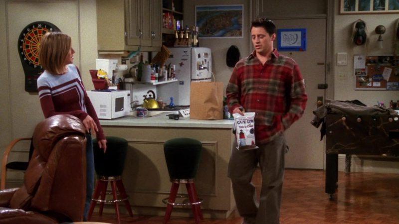 "Cape Cod Potato Chips Held by Matt LeBlanc (Joey Tribbiani) in Friends Season 7 Episode 13 ""The One Where Rosita Dies"" (2001) TV Show"