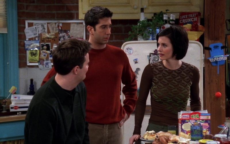 Cap'n Crunch and Trix Cereals in Friends Season 4 Episode 14 (1)