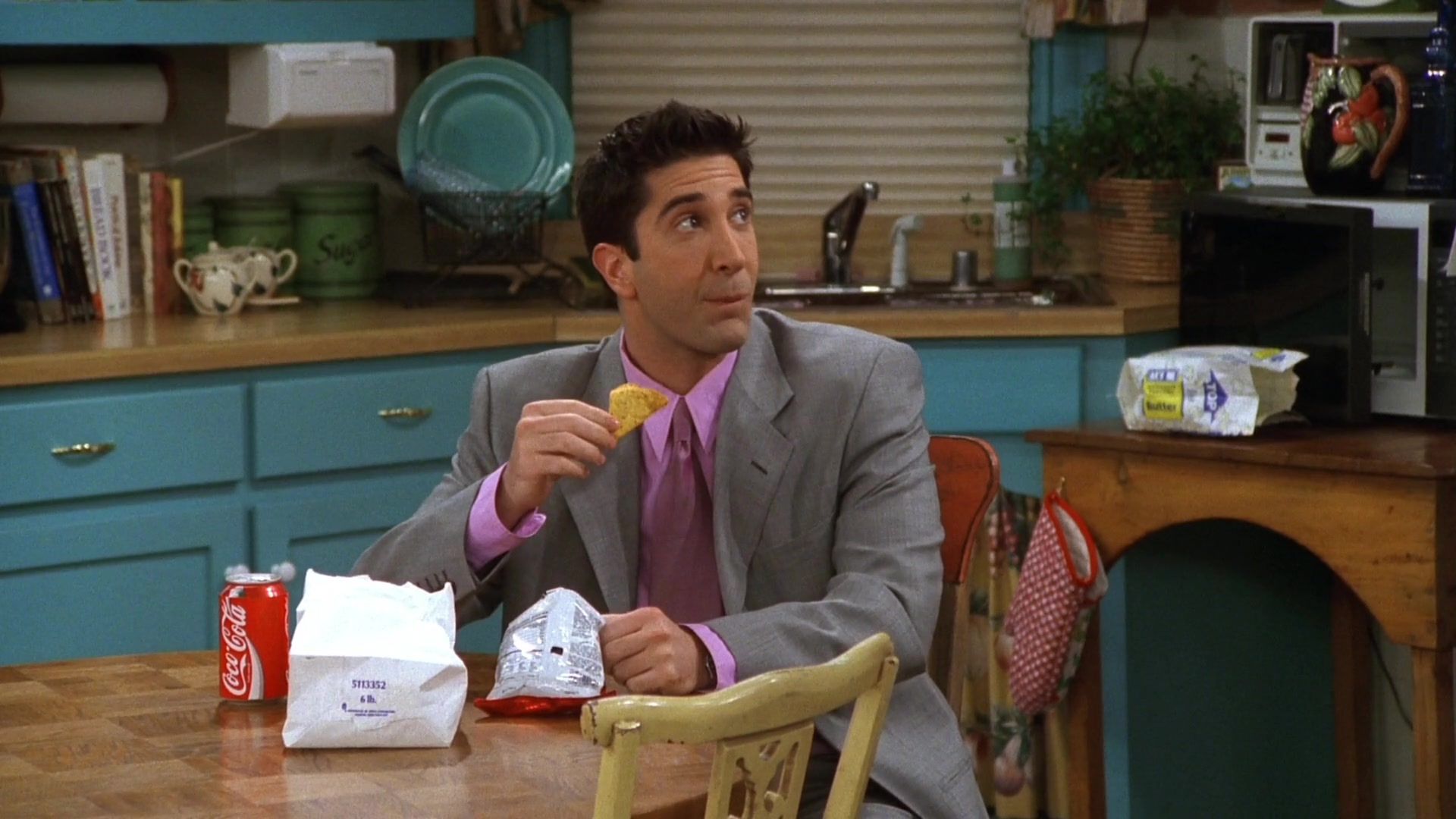 """Coca-Cola Classic Can in Friends Season 3 Episode 22 """"The One With the Screamer"""" (1997)"""