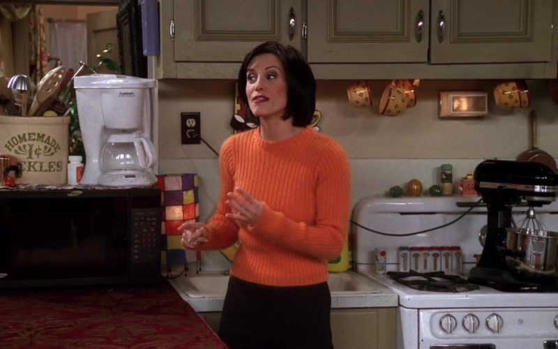 Cuisinart Coffee Maker in Friends Season 4 Episode 16 (4)