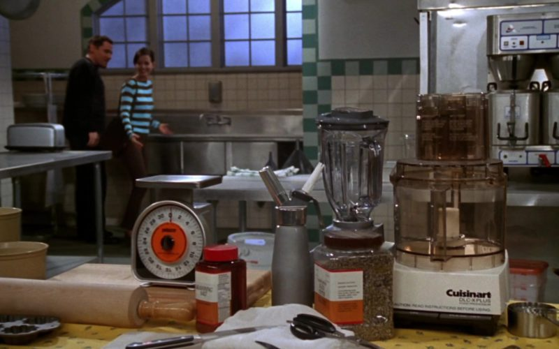 Cuisinart Food Processor (DLC-X) in Friends Season 3 Episode 21 (1)