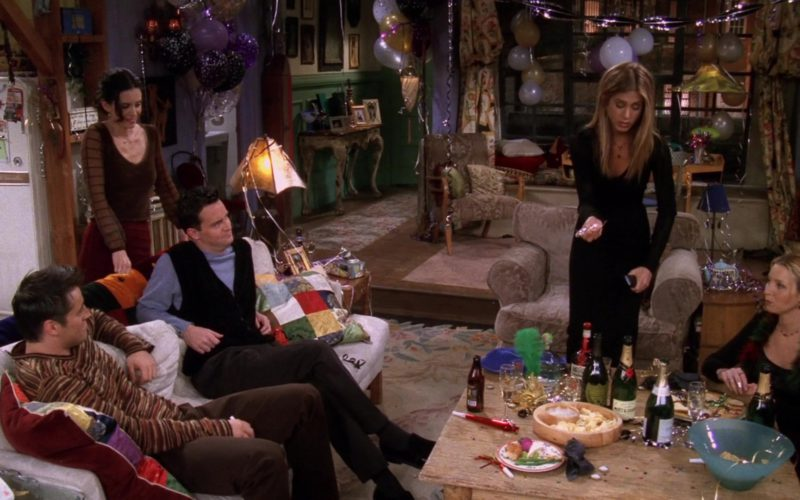 Dom Pérignon and Moet Champagne in Friends Season 5 Episode 11