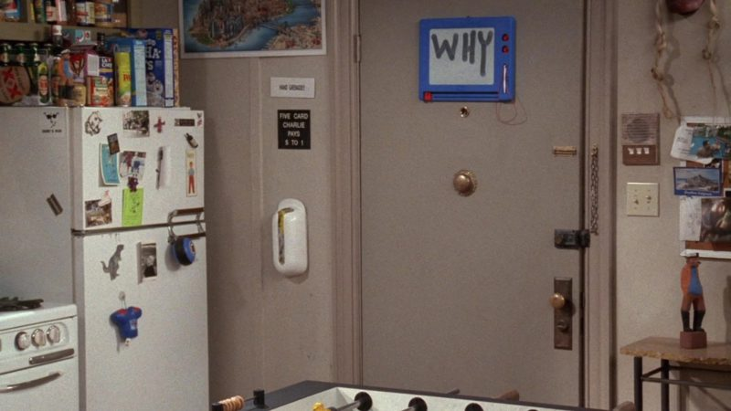 """Dos Equis XX Special Lager in Friends Season 5 Episode 6 """"The One With the Yeti"""" (1998) - TV Show Product Placement"""