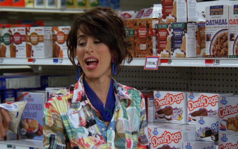 Drake's Devil Dogs Snack Cakes in Friends Season 3 Episode 4 (1)
