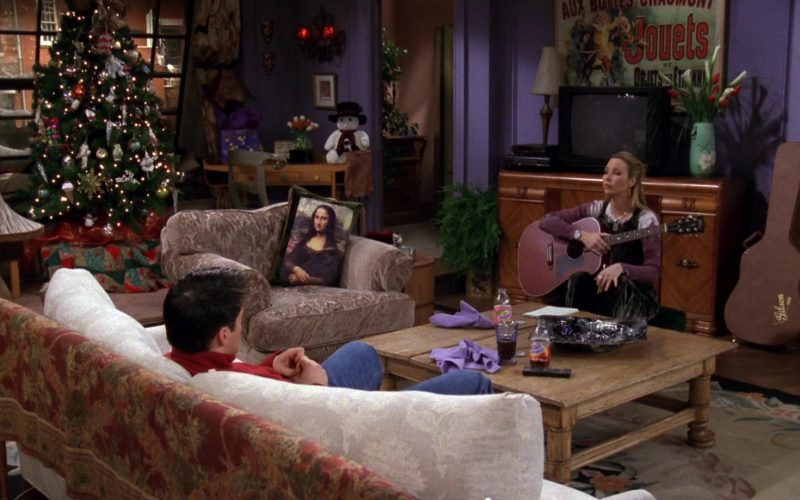 Gibson Acoustic & Case Used by Lisa Kudrow (Phoebe Buffay) in Friends Season 4 Episode 9