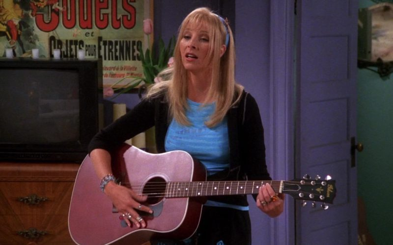 Gibson Guitar Used by Lisa Kudrow (Phoebe Buffay) in Friends Season 7 Episode 1 (1)