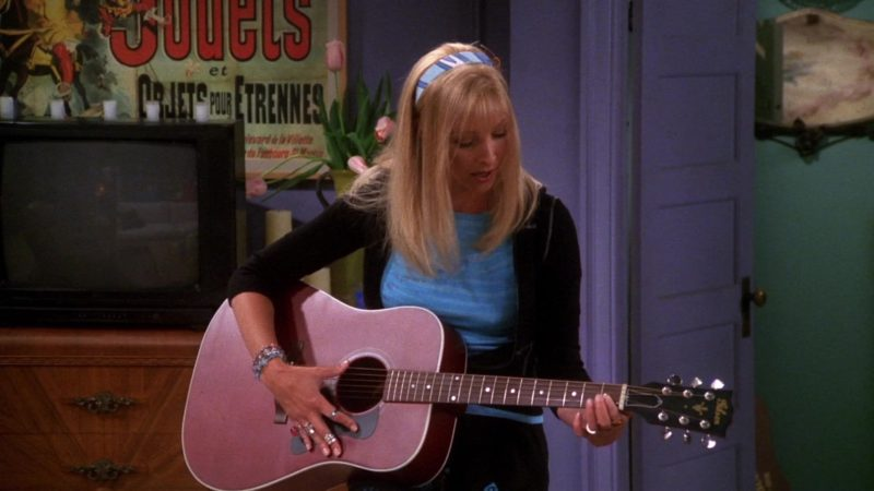 "Gibson Guitar Used by Lisa Kudrow (Phoebe Buffay) in Friends Season 7 Episode 1 ""The One With Monica's Thunder"" (2000) - TV Show Product Placement"