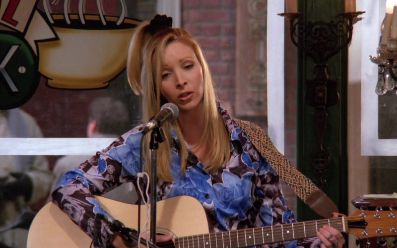 Guild Guitar Used by Lisa Kudrow (Phoebe Buffay) in Friends Season 2 Episode 12 (4)