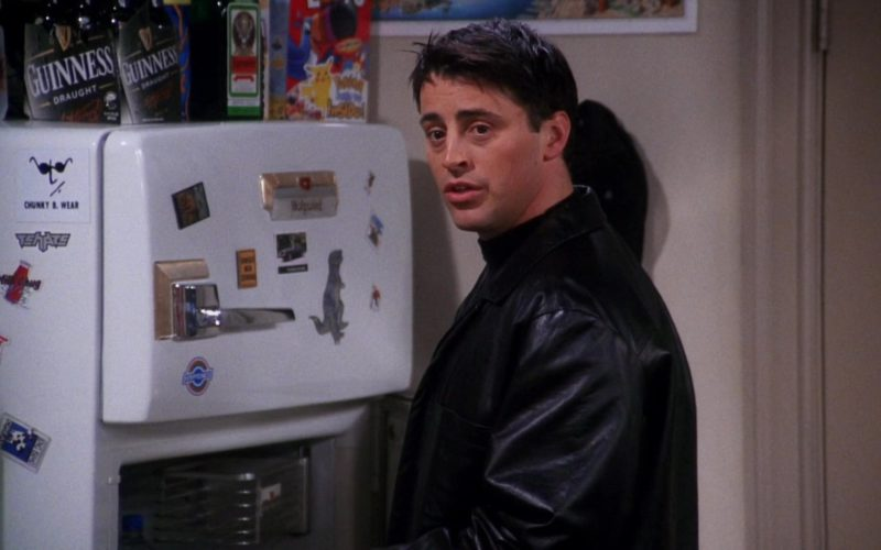 Guinness Draught Beer and Jägermeister in Friends Season 7 (1)