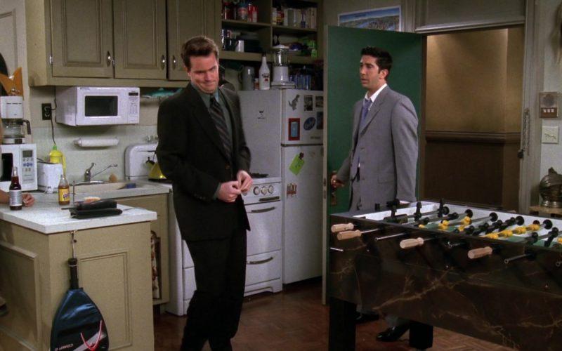 HEAD Racket in Friends Season 4 Episode 21 (1)