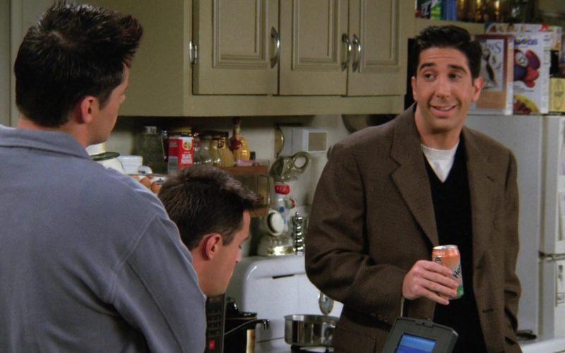 Hansen's Soda Held by David Schwimmer (Ross Geller) in Friends (2)