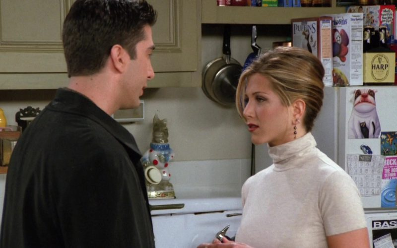 """Harp Lager Pack in Friends Season 2 Episode 8 """"The One With the List"""" (1)"""