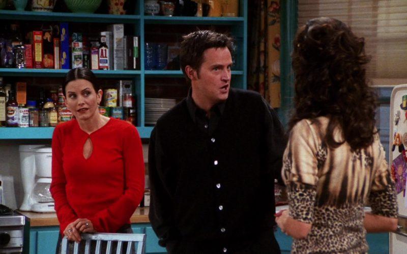 Hennessy Cognac & A.1. Sauce in Friends Season 7 Episode 7