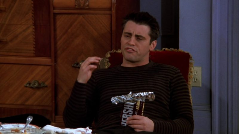 """Hershey's Chocolate Held by Matt LeBlanc (Joey Tribbiani) in Friends Season 5 Episode 8 """"The One With the Thanksgiving Flashbacks"""" (1998) - TV Show Product Placement"""