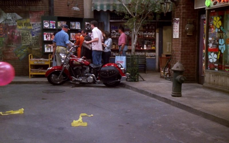 Indian Motorcycle in Friends Season 7 Episode 14 (5)