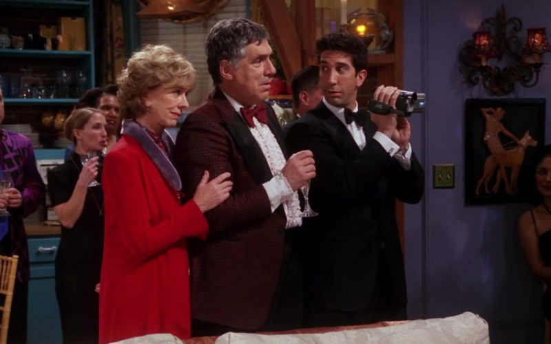 JVC Camcorder Used by David Schwimmer (Ross Geller) in Friends Season 7 Episode 14 (1)