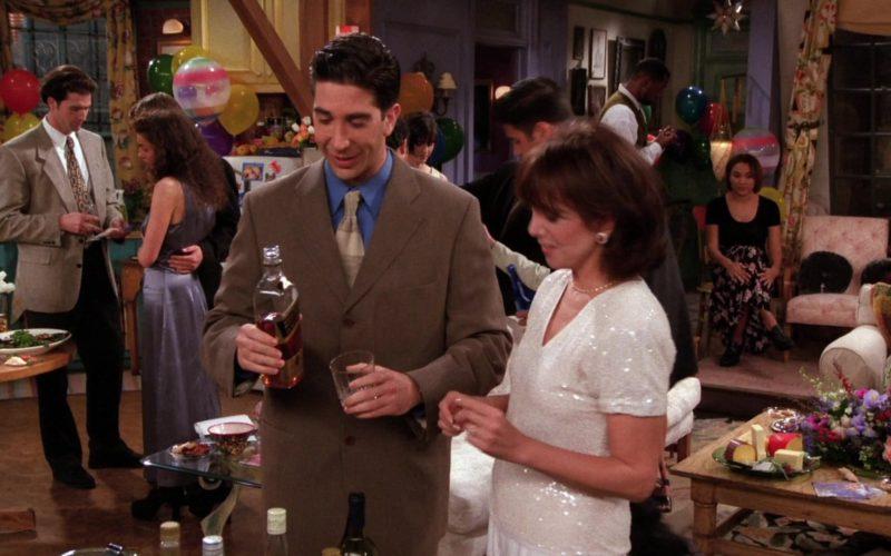 Johnnie Walker Black Label Scotch Whisky Drunk by David Schwimmer (Ross Geller) in Friends (1)