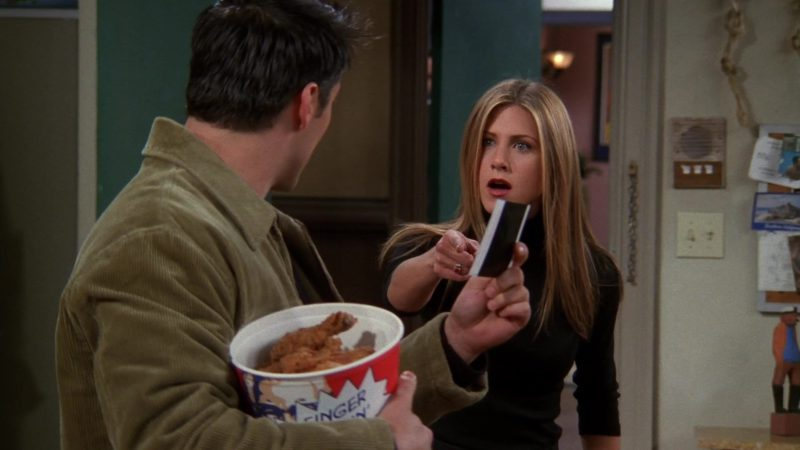 "KFC Bucket Held by Matt LeBlanc (Joey Tribbiani) in Friends Season 5 Episode 9 ""The One With Ross' Sandwich"" (1998) - TV Show Product Placement"