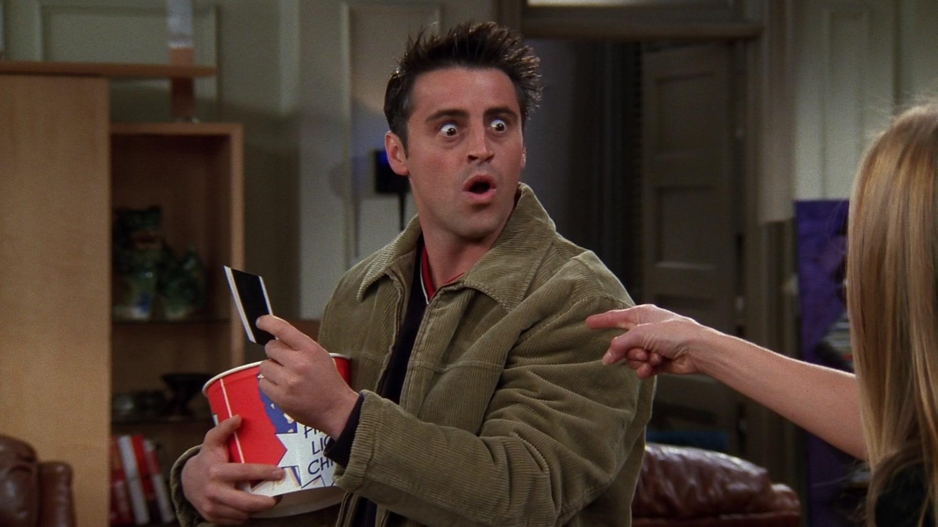 KFC Bucket Held by Matt LeBlanc (Joey Tribbiani) in Friends Season 5