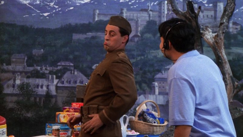 "Kellogg's Cereals, Post Foods, Skippy, Oreo in Friends Season 7 Episode 23 ""The One With Monica and Chandler's Wedding Part 1"" (2001) - TV Show Product Placement"