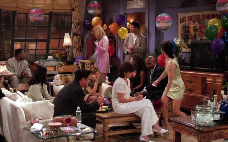 Knob Creek Bourbon Whiskey in Friends Season 2 Episode 22 (2)