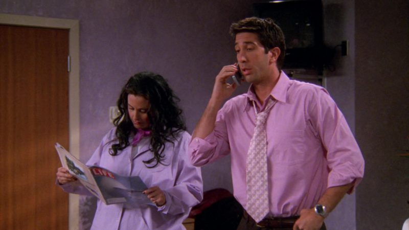 """Life Magazine Held by Courteney Cox (Monica Geller) in Friends Season 6 Episode 15 """"The One That Could Have Been Part 1"""" (2000) - TV Show Product Placement"""