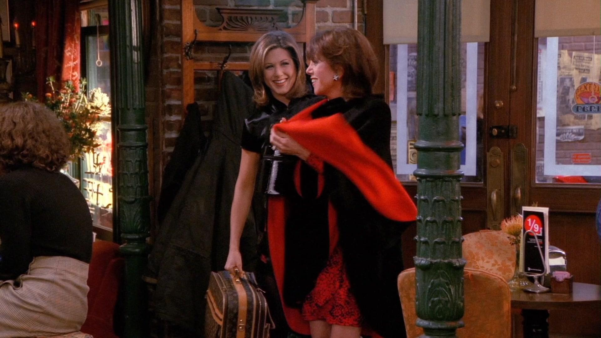 Louis Vuitton Bag Held by Jennifer Aniston (Rachel Green) in