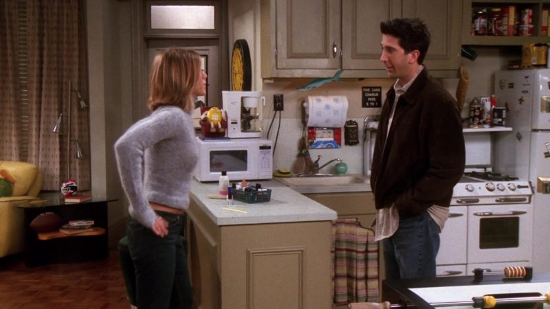"""M&M's Yellow Candy Toy in Friends Season 7 Episode 16 """"The One With the Truth About London"""" (2001) TV Show Product Placement"""