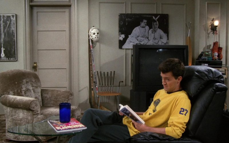 Macworld Magazine in Friends Season 3 Episode 3 (1)