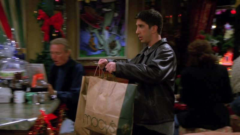 "Macy's Store Paper Bag Held by David Schwimmer (Ross Geller) in Friends Season 2 Episode 9 ""The One with Phoebe's Dad"" (1995) - TV Show Product Placement"