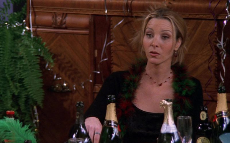 Moet Champagne in Friends Season 5 Episode 11 (1)
