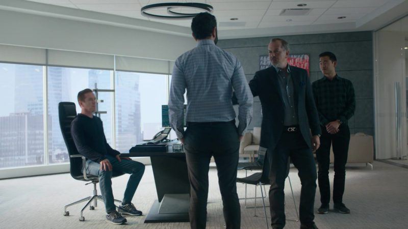 "New Balance Sneakers Worn by Damian Lewis (Bobby Axelrod) in Billions Season 4 Episode 2 ""Arousal Template"" (2019) TV Show Product Placement"