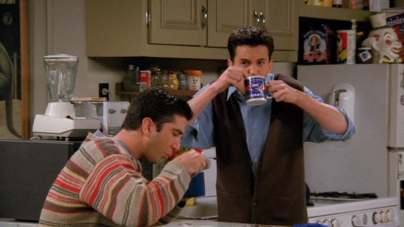 "New York Giants American Football Team Mug Held by Matthew Perry (Chandler Bing) in Friends Season 2 Episode 21 ""The One With the Bullies"" (1996) - TV Show Product Placement"
