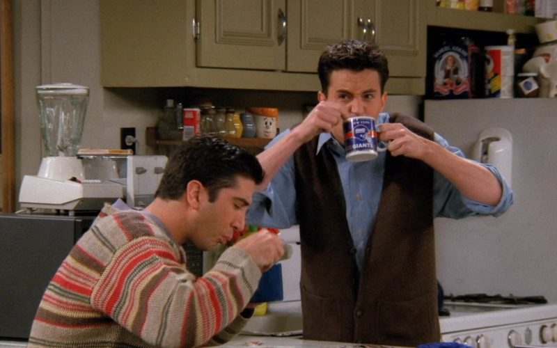 New York Giants American Football Team Cup Used by Matthew Perry (Chandler Bing) in Friends Season 2 Episode 21 (5)