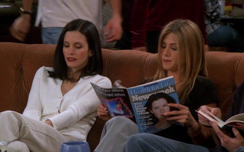 Newsweek Magazine Held by Jennifer Aniston (Rachel Green) in Friends Season 5 Episode 22 (4)
