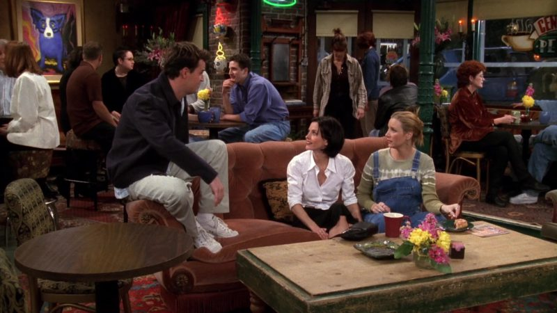 """Nike Shoes Worn by Matthew Perry (Chandler Bing) in Friends Season 4 Episode 21 """"The One With the Invitation"""" (1998) TV Show Product Placement"""