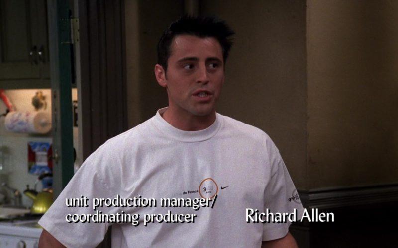 Nike Tee Worn by Matt LeBlanc (Joey Tribbiani) in Friends Season 6 Episode 1 (2)