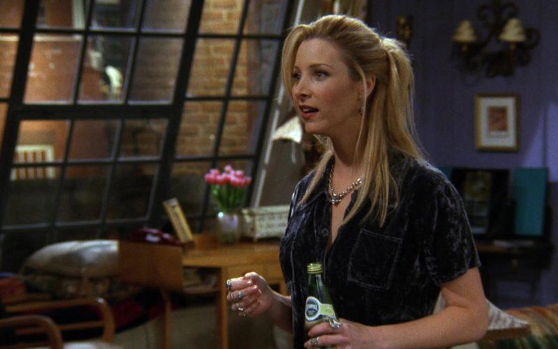 Perrier Water Bottle Held by Lisa Kudrow (Phoebe Buffay) in Friends Season 3 Episode 7 (1)