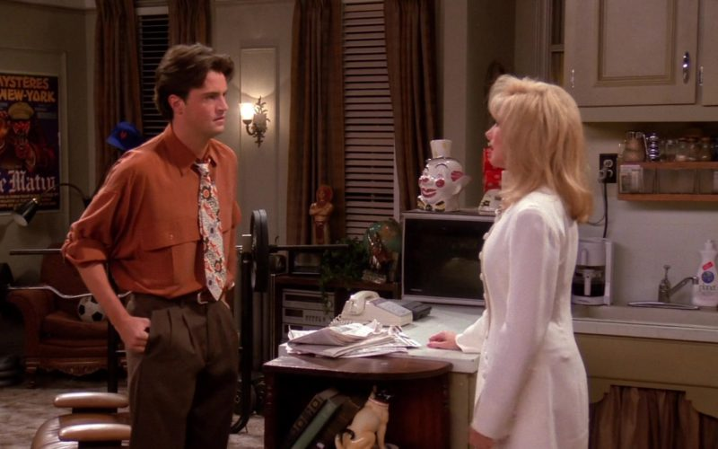 Planet Dishwashing Liquid in Friends Season 1 Episode 10