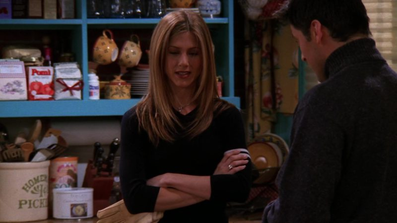 "Pomi Tomatoes in Friends Season 5 Episode 16 ""The One with the Cop"" (1999) - TV Show Product Placement"