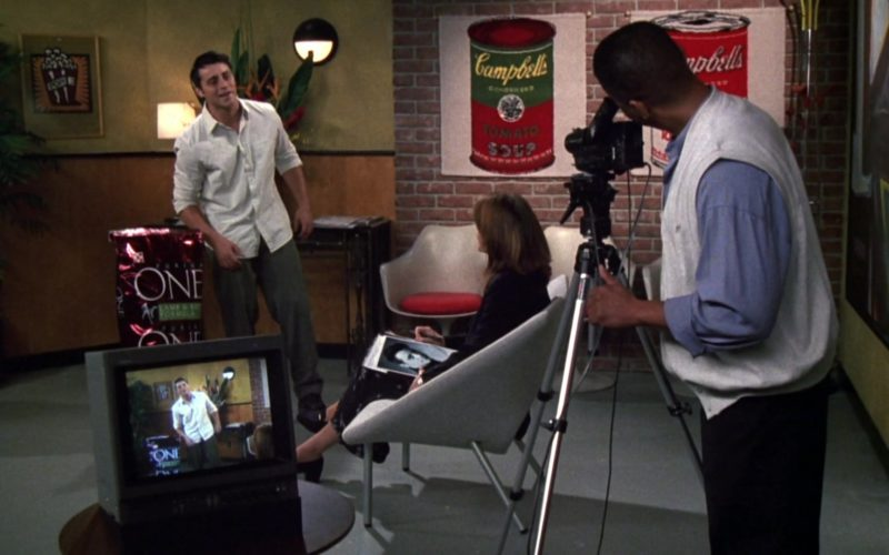 Purina ONE Dog Food and Campbell's Soup Company Posters in Friends Season 6 Episode 4 (1)